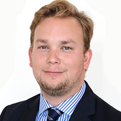 Portrait photo of Martin Keen